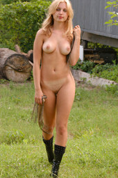 Sexy tasty blonde outdoor nudity