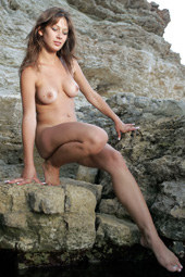 Hairy pussy babe nude outside