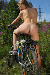 Making tracks cycling nude