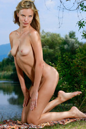 Wondeful nude blonde at the river